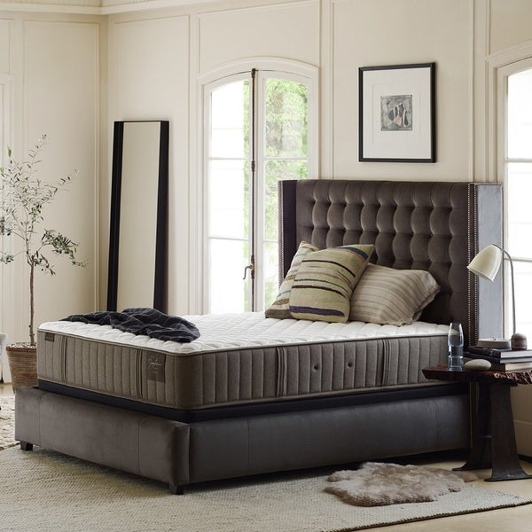 Stearns & Foster Scarborough 14-inch Plush Queen-size Mattress