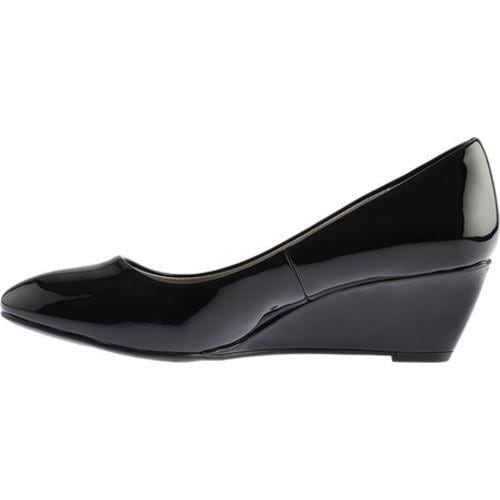 Women's Bandolino Franci Wedge Black Synthetic Patent - Free Shipping On  Orders Over $45 - Overstock.com - 21037293
