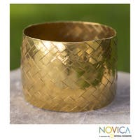 Handmade Gold Overlay 'Chuspata Charm' Bracelet (Mexico)