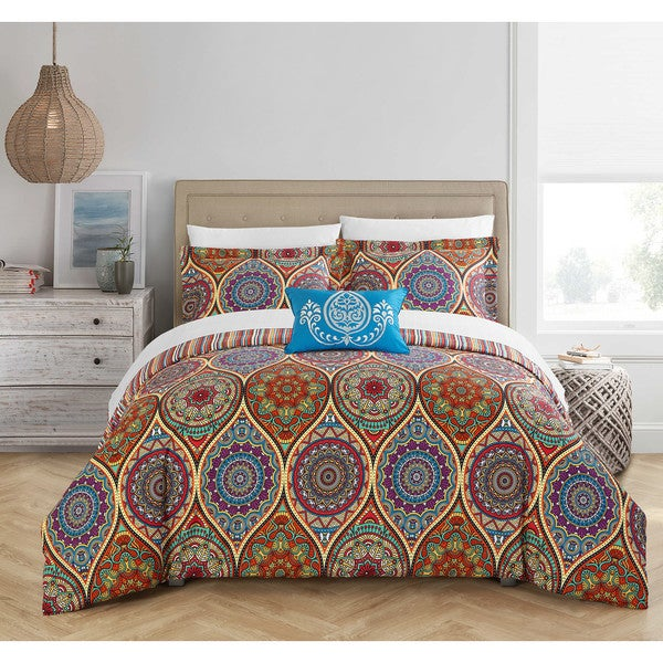 Chic Home Dael 4-Piece Reversible Globally Inspired Paisley Print Duvet Cover Set