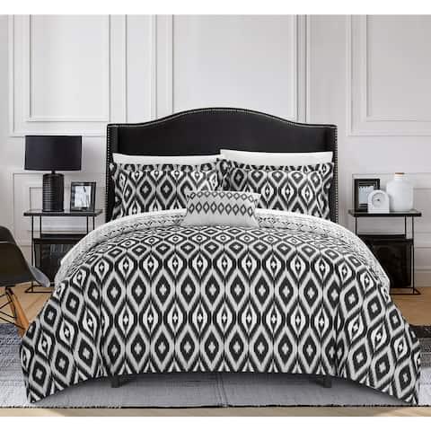 Chic Home Gabi 4-Piece Reversible Ikat Black and White Duvet Cover Set