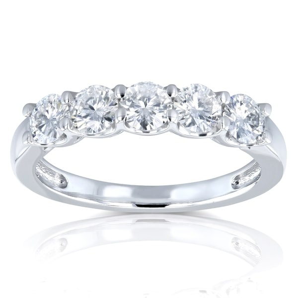 Annello by Kobelli 14k White Gold 4/5ct TGW Round Forever One Colorless Moissanite (DEF) Wedding Band