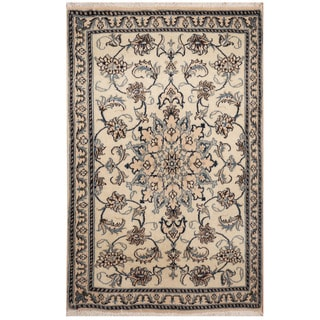 Handmade Nain Wool and Silk Rug (Iran) - 2'11 x 4'6