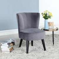 Traditional Living Room Accent Chair in Classic Velvet Upholstery