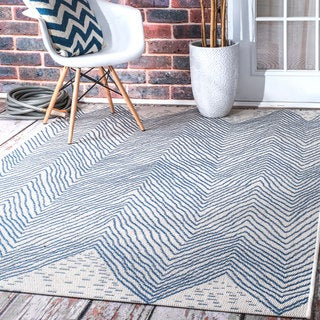 nuLOOM Indoor/Outdoor Geometric Wavy Chevron Blue Rug (7'6 x 10'9)