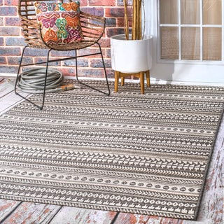 nuLOOM Indoor/Outdoor Tribal Abstact Stripe Bands Grey Rug (7'6 x 10'9)