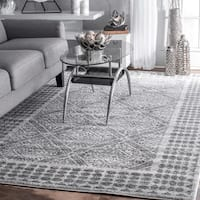 nuLoom Traditional Grey Vintage Diamond Trellis Dotted Border Rug (7'6 x 9'6)