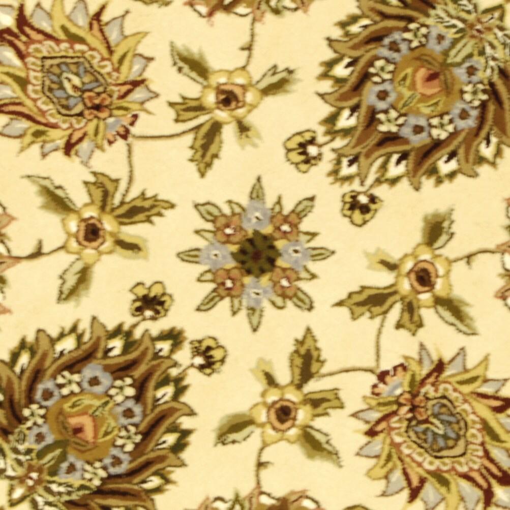 Safavieh Handmade Traditions Tabriz Ivory Wool and Silk Rug (8' Round)