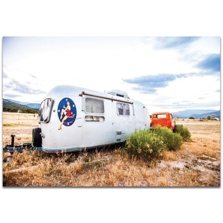 Airstream Lady - contemporary