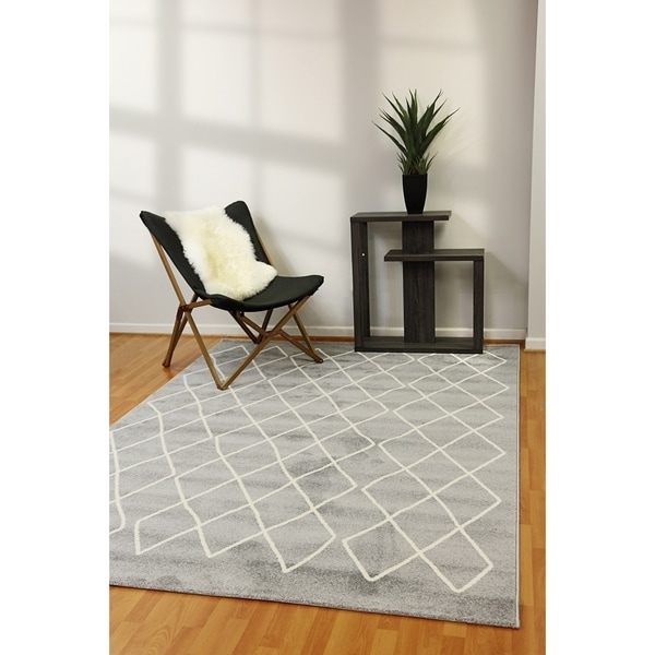 "Artwork Trellis Gray Area Rug - 6'7"" x 9'6"""