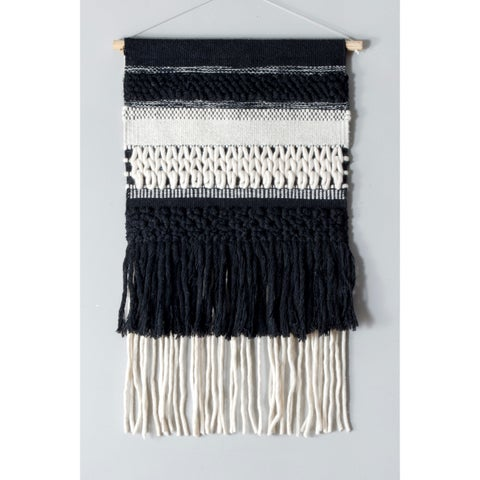 nuLoom Handmade Classic Woven Tassles Wall Hanging (1'5 x 2')