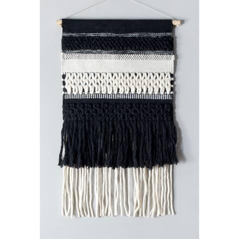 nuLoom Handmade Classic Woven Tassles Wall Hanging (1'5 x 2')