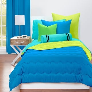 Crayola Cerulean and Granny Smith Apple Reversible 3-piece Comforter Set (2 options available)