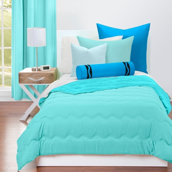 Crayola Robin's Egg Blue and Turquoise Blue Reversible 3-piece Comforter Set
