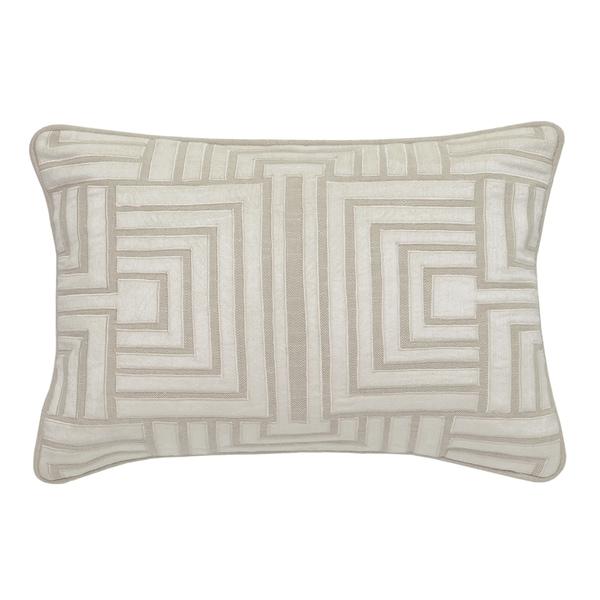 """Kosas Home Soma 100% Cotton 14"""" x 20"""" Throw Pillow"""