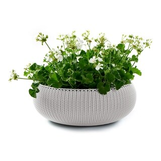 Keter Cozies Large Knit Texture Planter with Removable Liner