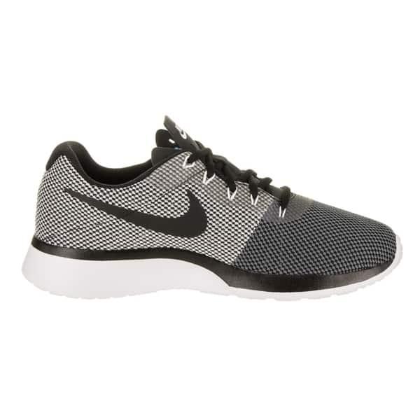 estético ornamento Inmoralidad  Shop Nike Men's Tanjun Racer Running Shoe - Overstock - 17978337