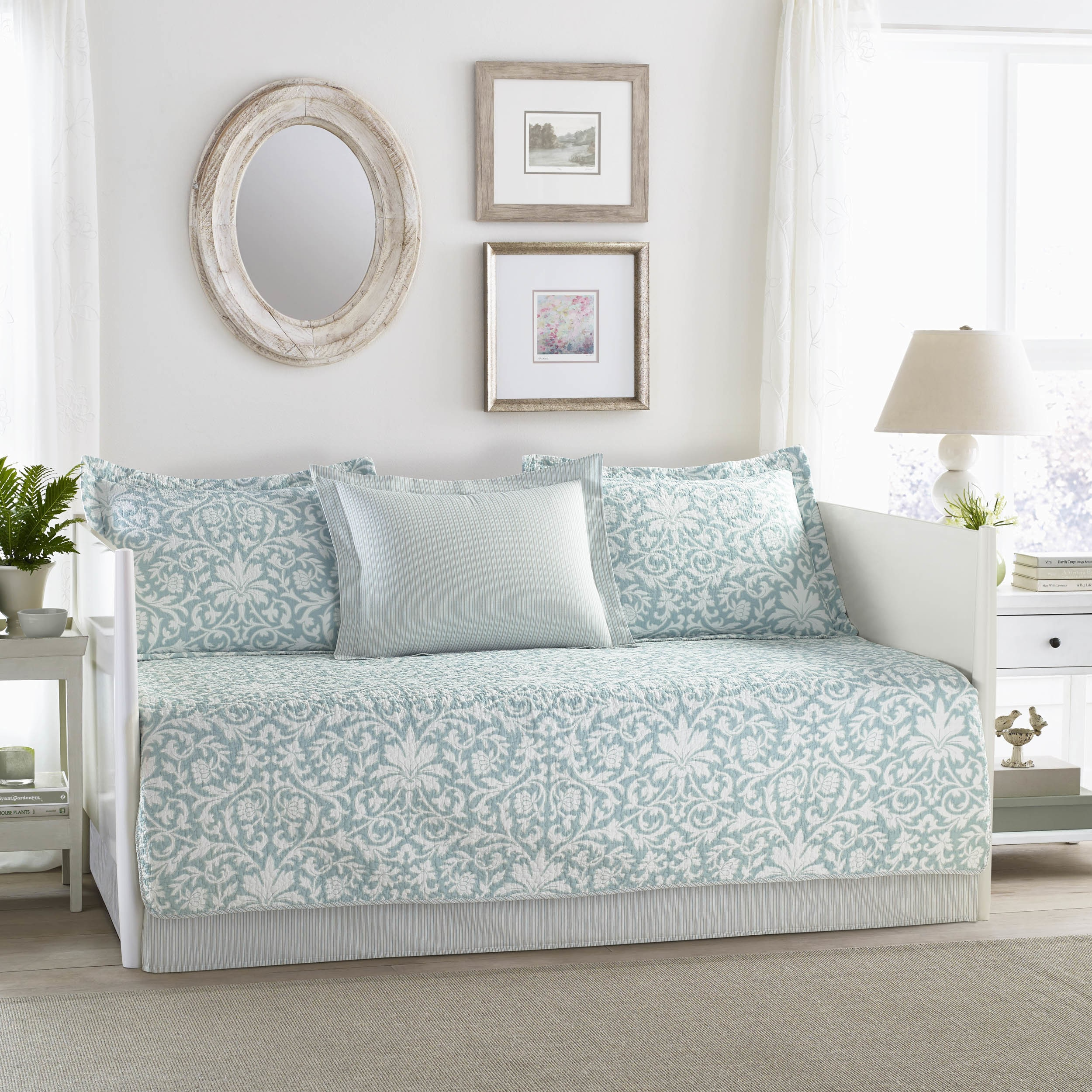 Laura Ashley Mia Blue 5 Piece Daybed Cover Set Overstock 17982837