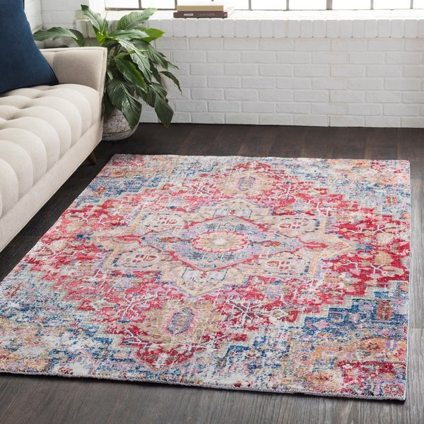 Classic Vintage Medallion Red/Blue Area Rug - 2' x 3'