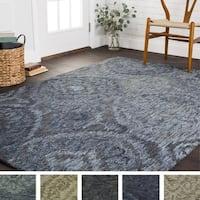 Hand-hooked Damask Ikat Wool Rug - 9'3 x 13'