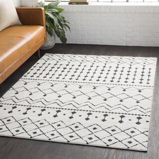Salcedo White Polypropylene Bohemian Shag Area Rug (7'10 x 10'3)
