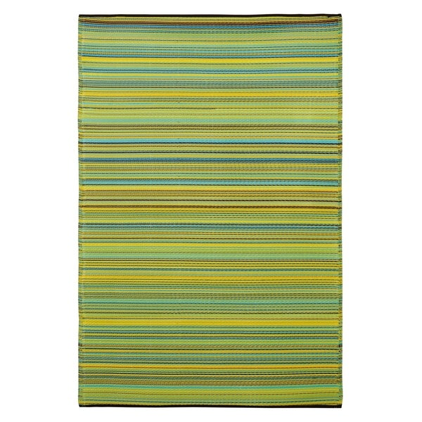 Fab Habitat Cancun Apple Green Recycled Plastic Area Rug (8' x 10')