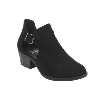BETANI EI35 Women's Side Cut Out Buckle Strap Chunky Heel Ankle Boot