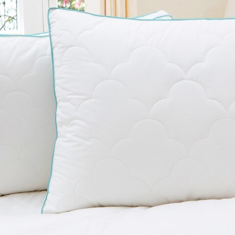 Liza Jane Scallop Cloud Quilted Gusset Pillow