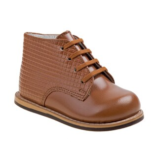 Josmo embossed walking shoes