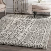 "nuLoom Moroccan Inspired Luxuries Soft and Plush Abstract Tribal Ivory/Grey Shag Rug (7'6 x 9'6) - 7'6"" x 9'6"""