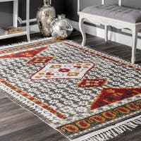 nuLOOM Handmade Tribal Abstract Floral Hourglass Tassel Grey Rug (5' x 7'5)