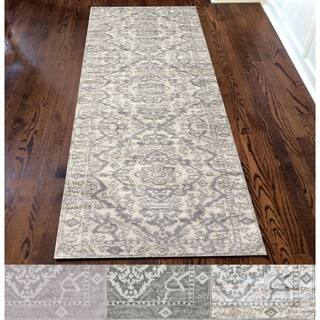 Porch & Den Pearl District Pettygrove Medallion Area Rug (2'2 x 7'7)|https://ak1.ostkcdn.com/images/products/18067035/P18310544.jpg?impolicy=medium