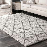 nuLOOM Ivory Moroccan Inspired Luxuries Soft and Plush Stripped Tiles Shag Rug
