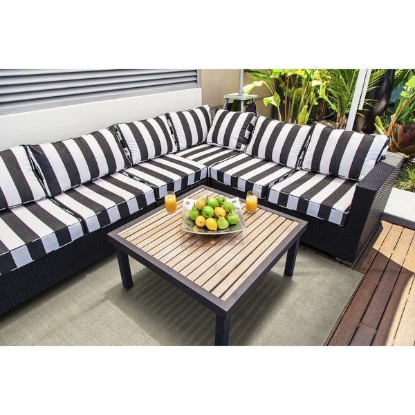 Indoor/Outdoor Handmade Tula Graphite Polyester Rug - 2' x 3'