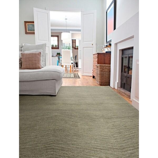 Hand-Tufted Brantley Green Wool Rug - 2' x 3'