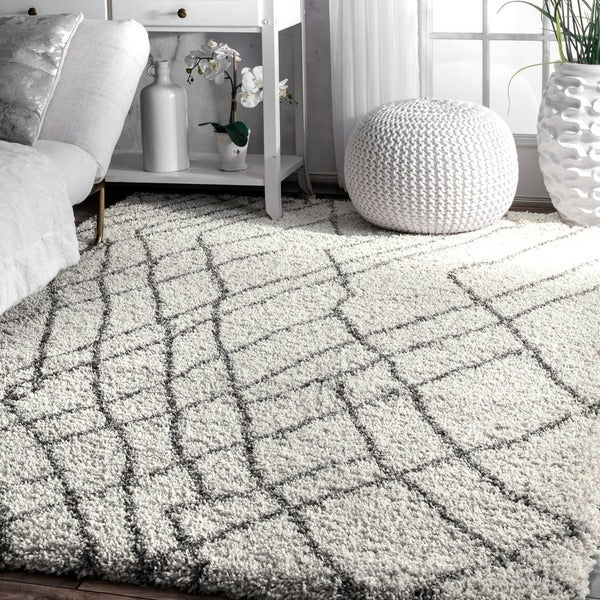 nuLOOM Ivory/Brown Moroccan Inspired Abstract Shag Rug