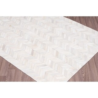 Hand-stitched Chevron Cow Hide Leather White Rug (9' x 12') - 9' x 12'