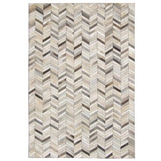 Hand-stitched Chevron Cow Hide Leather Grey Rug (9' x 12') - 9' x 12'