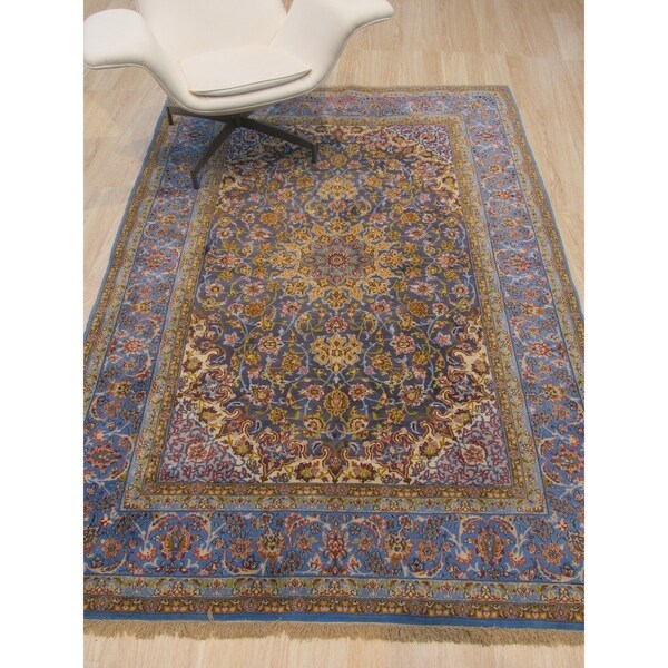 Hand-knotted Wool Blue Traditional Oriental Esfahan Rug - 6' x 6'
