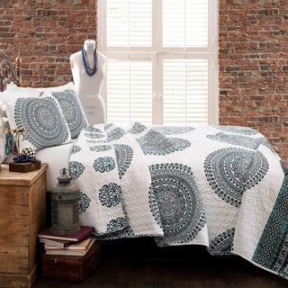 Lush Décor Shaila Medallion 3 Piece Quilt Set
