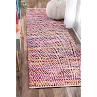 Porch & Den Williamsburg McGuinness Chevron Stripes Magenta Runner Rug - 2'6 x 8'