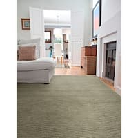 Hand-Tufted Brantley Green Wool Rug - 8' x 10'