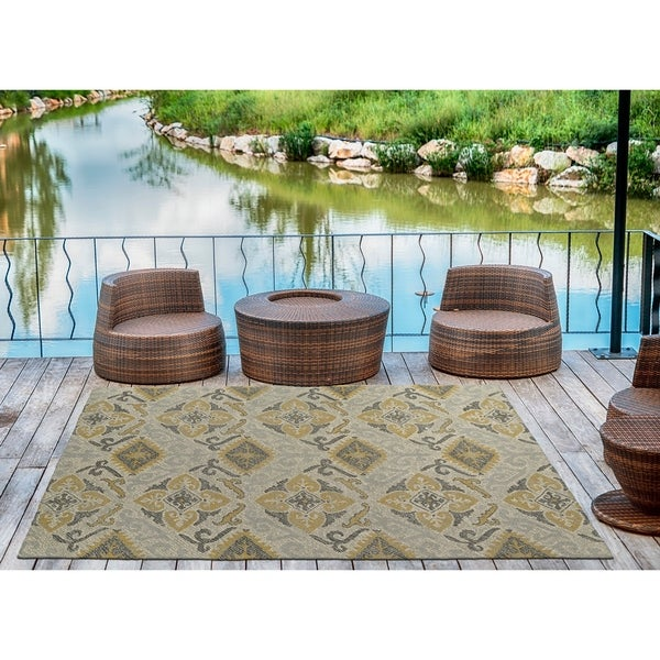 Indoor/Outdoor Hand-Tufted Robinson Spa Polyester Rug - 8' x 10'