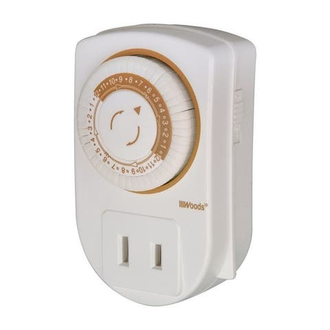 Coleman Cable Indoor Mini Mechanical Timer 125 volts White