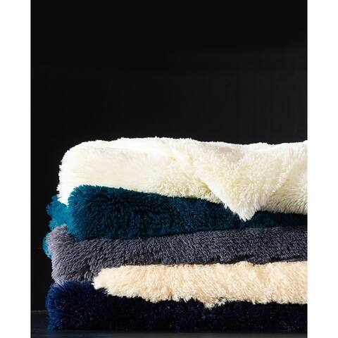De Moocci Ultra Soft Shaggy Fluffy Reversible FauxFur Throw