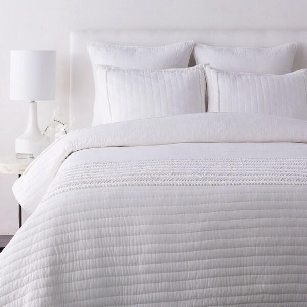 Umeko White Modern Quilt Set