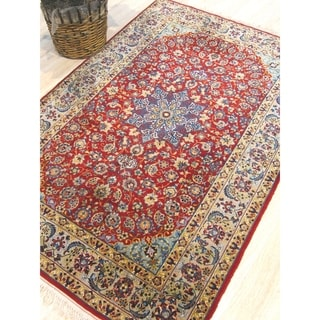 Hand-knotted Wool Red Traditional Oriental Esfahan Rug - 3' x 5'