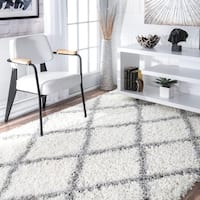 Porch & Den Williamsburg Havemeyer Moroccan Lattice Shag White Rug (6'7 x 9')