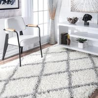 Porch & Den Williamsburg Havemeyer Moroccan Lattice Shag White Rug - 6'7 x 9'