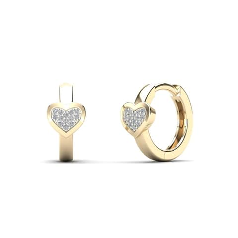 AALILLY 10k Yellow Gold Diamond Accent Heart Hoop Earrings (H-I, I1-I2)